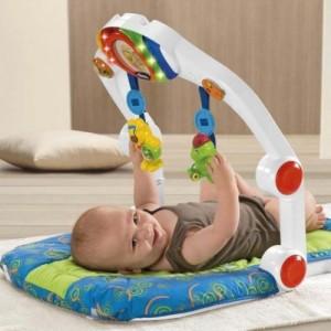 На фото детский chicco тренажер