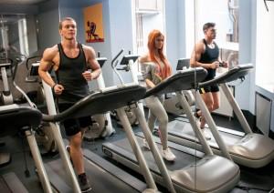 занятия в тренажерном зале - это не только красивое и стройное тело, но и здоровый организм