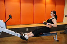 правила выполнения упражнений на гребном тренажере