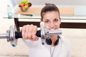 на фото спортивные тренажеры для женщин