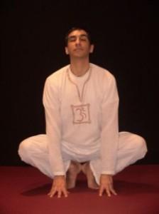 поза лягушки в кундалине йоге начальная позиция