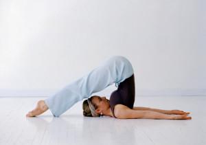 Поза плуга в йоге