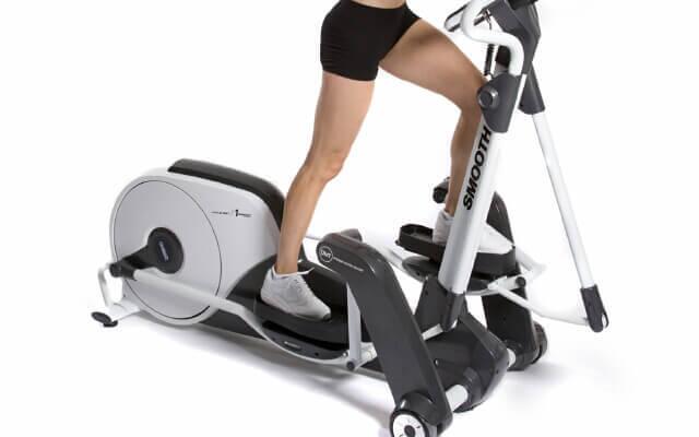 Обычный бег в эллиптическом тренажере для похудания