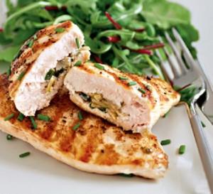 Фаршированное диетическое мясо с салатом