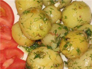 Отварной картофель, помогающий мужчине набрать вес