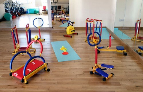 Как детские тренажеры для дома помогут приучить ребенка к спорту