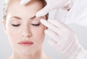 Помощь косметолога в борьбе с морщинами