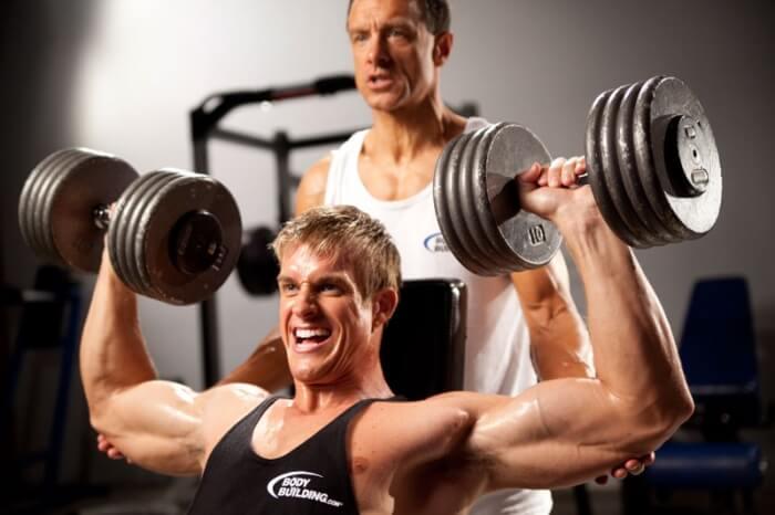 Наращивание мышечной массы в спортзале