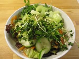 овощной салат с добавлением яблочного уксуса