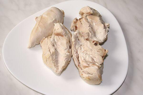 Отварное мясо, входящее в меню яично-апельсиновой диеты